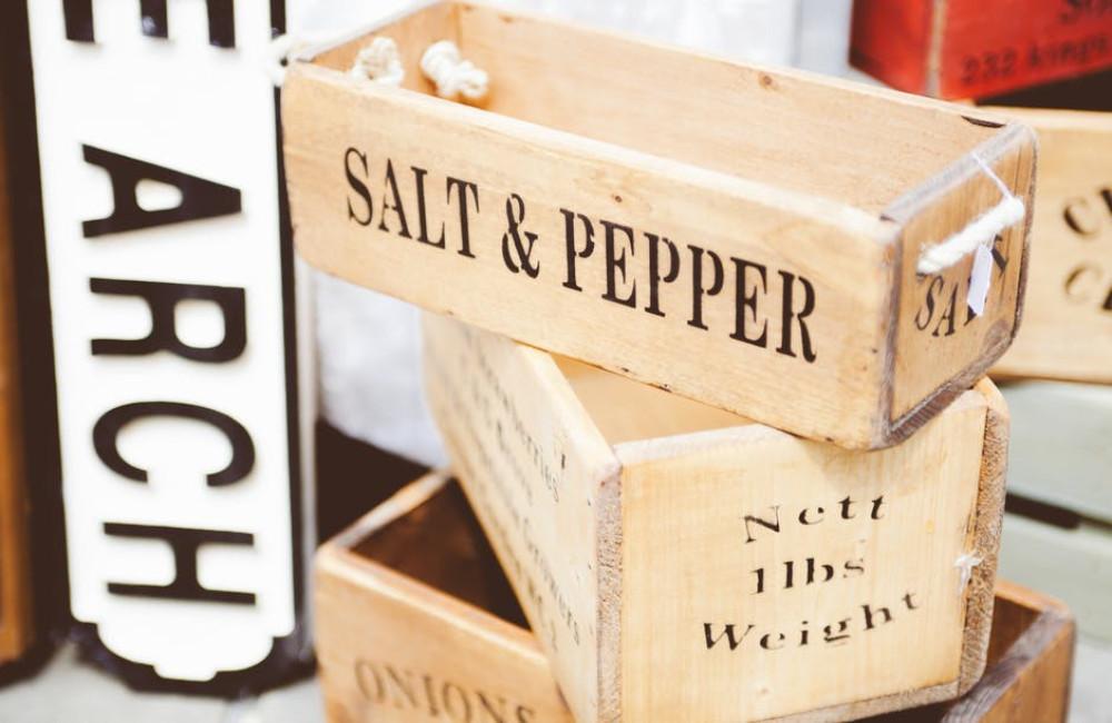 Een 2-in-1 peper en zoutstel is smaakvol en functioneel